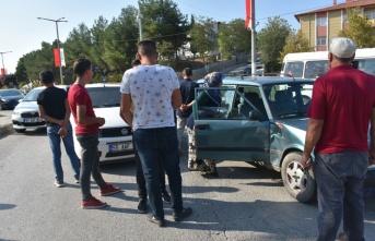 Boyabat Emniyet Müdürlüğü Önündeki Kavşakta Trafik Kazası