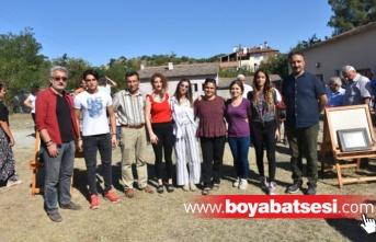 Boyabatlı Sanatçılar Bağlıca Köyünde Sergi Açtı.