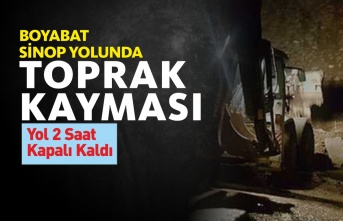 Boyabat-Sinop Yolunda Toprak Kayması