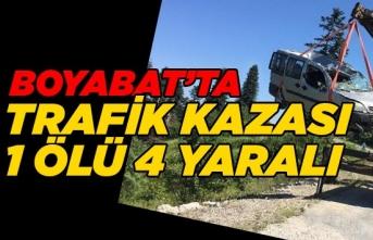 Boyabat'ta Cenazeye Giden Aile Kaza Geçirdi 1 Ölü 4 Yaralı