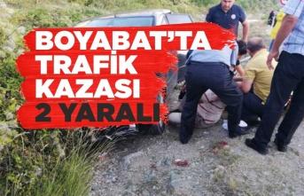 Boyabat Sinop Yolunda Trafik Kazası 2 Yaralı