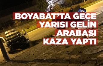 Boyabat'ta Gece Yarısı Gelin Arabası Kaza Yaptı