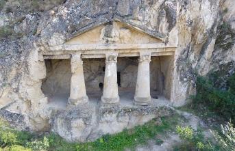 Sinop'un pek bilinmeyen tarihi mekanı: Boyabat Kaya Mezarları