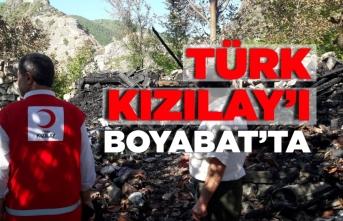 Boyabat'ta evi yanan aileye Türk Kızılay'ı yardım etti