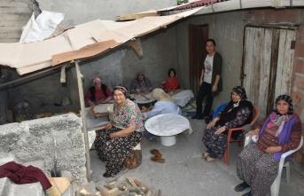 Boyabatlı Hanımlar,Kışlık Ekmeklerini Hazırlıyorlar