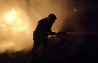 Boyabat'ta samanlık yandı
