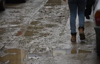 Boyabat'ta bozuk yollar Mayıs ayına kadar düzeltilecek
