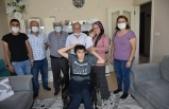 Boyabat'ta 3 engelli vatandaşa bayram öncesi tekerlekli sandalye sürprizi
