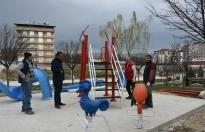 Boyabat Belediyesi Çocuk Parklarını Yeniliyor