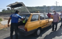 Boyabat'ta toplu taşıma araçları, yazıhane ve duraklar rutin olarak dezenfekte ediliyor.