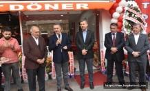Boyabat'ta '' Bufalo Et Döner''törenle açıldı