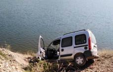 Araç Boyabat Barajına düşmekten son anda kurtuldu !
