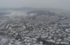 Boyabat'ta kar yağışı başladı 8 köy yolu kapandı !