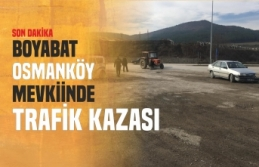 Boyabat'ta Traktör İle Otomobil Çarpıştı