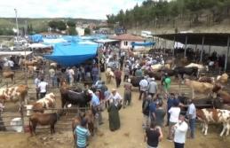 Arefe günü kurban pazarı ve çarşı içindenvideo görüntüler ve röportajlar