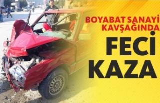 Boyabat Sanayi Kavşağında Otomobil İle Traktör...
