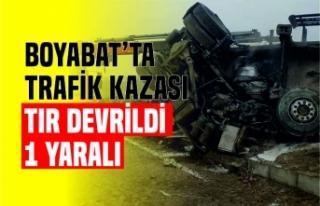 Boyabat'ta Trafik Kazası: Tır Devrildi