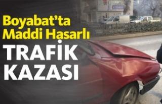Boyabat'ta Maddi Hasarlı Trafik Kazası