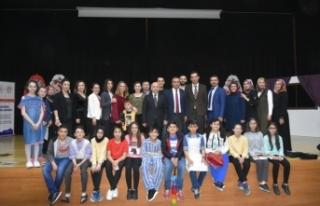 """Atatürk Ortaokulu """"Sosyal Medya Bağımlılığı""""..."""