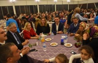 Öğretmenler 24 Kasım'ı Mavibahçe'de Yemekli...