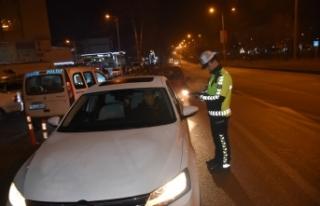 Boyabat Polisi Yılbaş Gecesi de denetimlerini sürdürdü