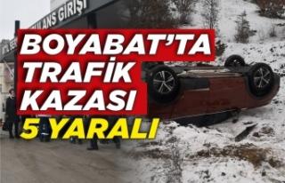 Karda kayan otomobil takla attı 5 yaralı