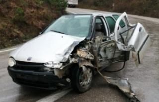 Sinop'ta trafik kazası: 1'i çocuk 3 yaralı...
