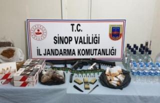 Sinop'ta etil alkol ve kaçak tütün ele geçirildi...