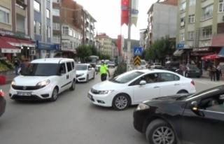 Boyabat'ta bayram öncesi trafik yoğunluğu