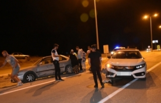 Boyabat Karacaören Köyü Mevkinde Trafik Kazası