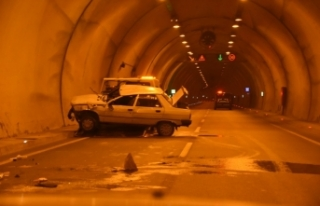 Tünelde kaza: 2 yaralı