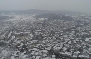 Boyabat'ta kar yağışı başladı 8 köy...