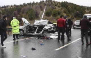 Boyabatlı aileden acı haber kazada hayatını kaybettiler