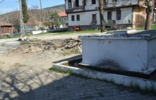 Köyün çeşmesini tamir ederken, buldukları ile...