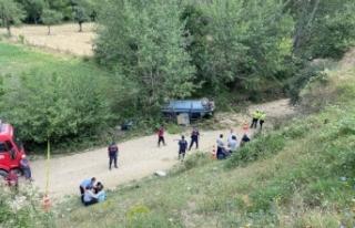 İşçileri taşıyan minibüs uçuruma yuvarlandı:...