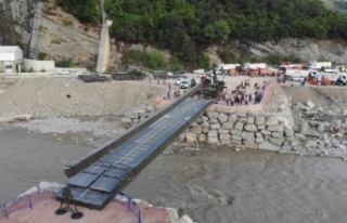 Ayancık'ta selin yıktığı köprünün yerine...