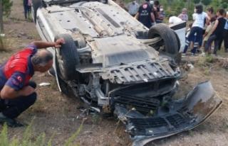 Sinop Boyabat yolunda trafik kazası 2'si çocuk...