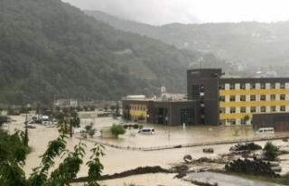 Ayancık Devlet Hastanesi tahliye ediliyor