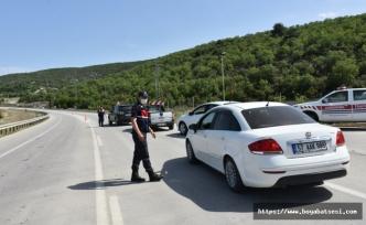 Boyabat'ta polis ve jandarma 24 saat süreyle denetimlerini sürdürüyor