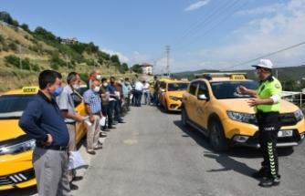 Boyabat'ta ticari taksiler, servis minibüsleri, otobüsler , yazıhaneleri ve duraklar dezenfekte edildi.