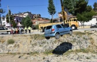 Boyabat'ta 2 ayrı kazada 2 kişi yaralandı