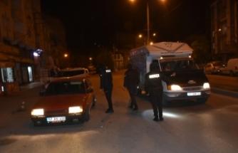 Boyabat'ta saat 20.00'de cadde ve sokaklar boşaldı