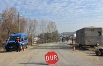 Boyabat ilçesiBağlıca köyünde karantina uygulaması başlatıldı.