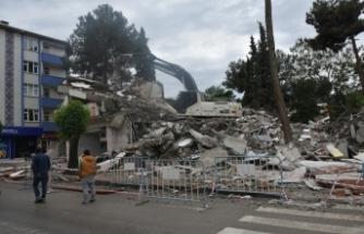 Boyabat'ta 45 yıllık Ziraat Bankası binası yıkım video haber