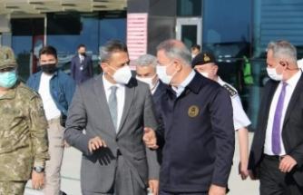 Milli Savunma Bakanı Hulusi Akar Sinop'a geldi