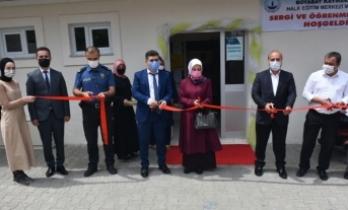 Boyabat Halk Eğitimi Merkezi Müdürlüğü, yıl sonu sergisini açtı