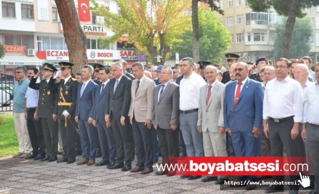 Boyabat'ta 30 Ağustos Çelenk Sunma Töreni Gerçekleştirildi