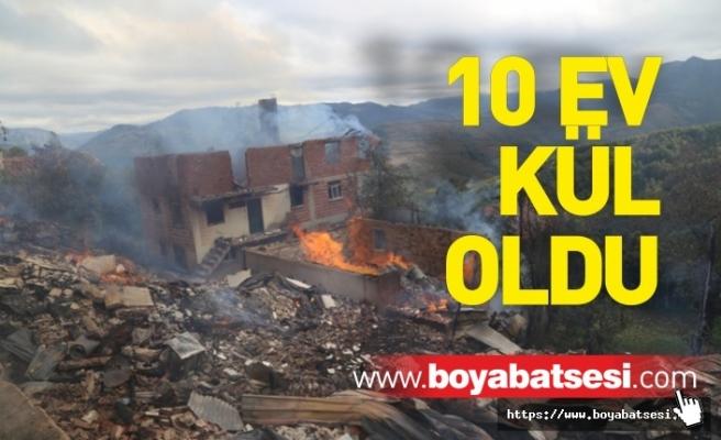 Çıkan Yangında 10 Ev Kül Oldu