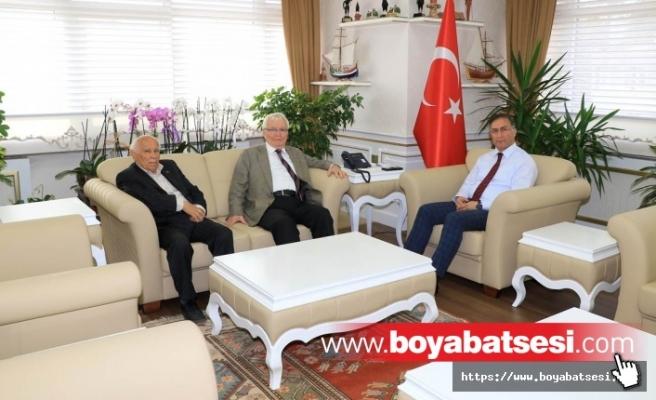 Yaşar Topçu Vali Şakalar'ı Ziyaret Etti