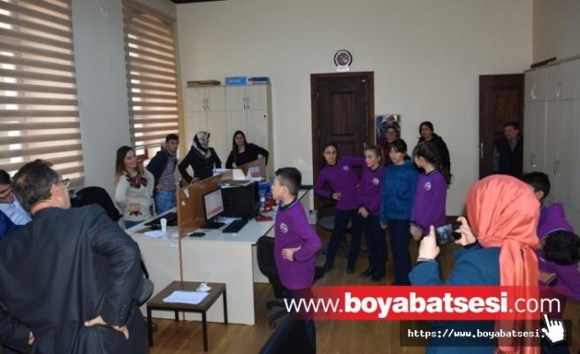 """Boyabat'ta Spor Kulübü Öğrencilerinden """"İş Hayatında Sağlıklı Yaşam"""" Çalışması"""